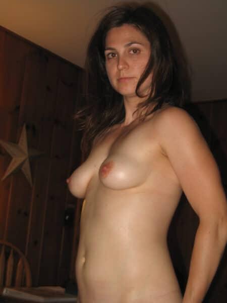 Libertine sexy célibataire depuis pas longtemps