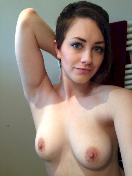 Chienne sexy vraiment très motivée recherche un mec réel