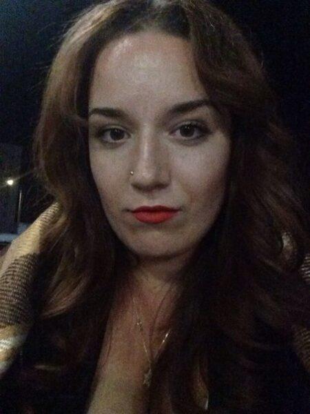 Femme infidèle sexy qui désire du sérieux