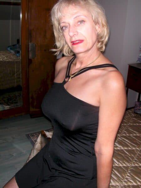 Je recherche un célibataire sympa qui souhaite un plan baise mature